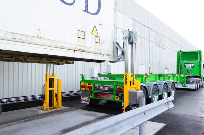 Container Jacking Systems Make Their Mark In_Intermodal Container Logistics