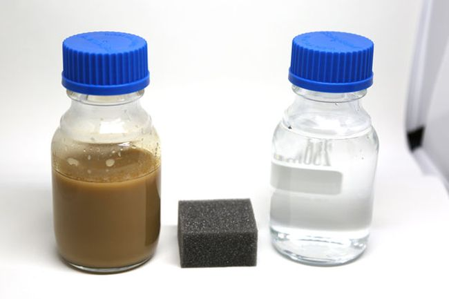 Sponge-dirty-water-cleanwater_KevinSoobrian