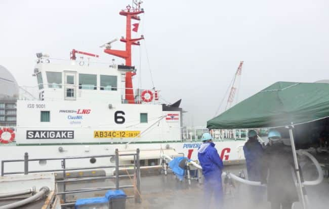 Japan's First LNG-Fueled Vessel Completes 100 LNG Bunkerings_