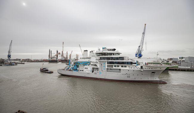 Damen Shiprepair & Conversion Undertaking Oceanxplorer Rebuild_