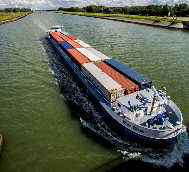 container-binnenvaart_rotterdam