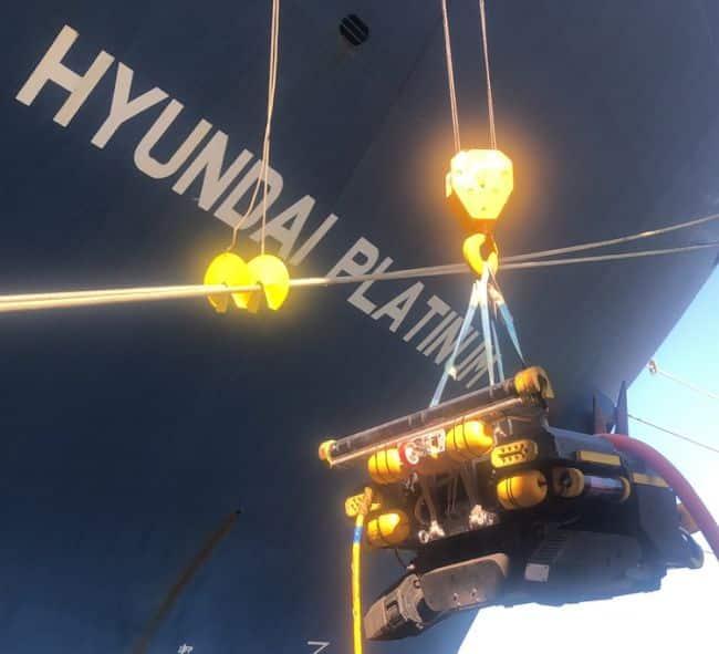 Deploys Underwater Robots for Hull Cleaning_Hyundai Merchant Marine_HMM