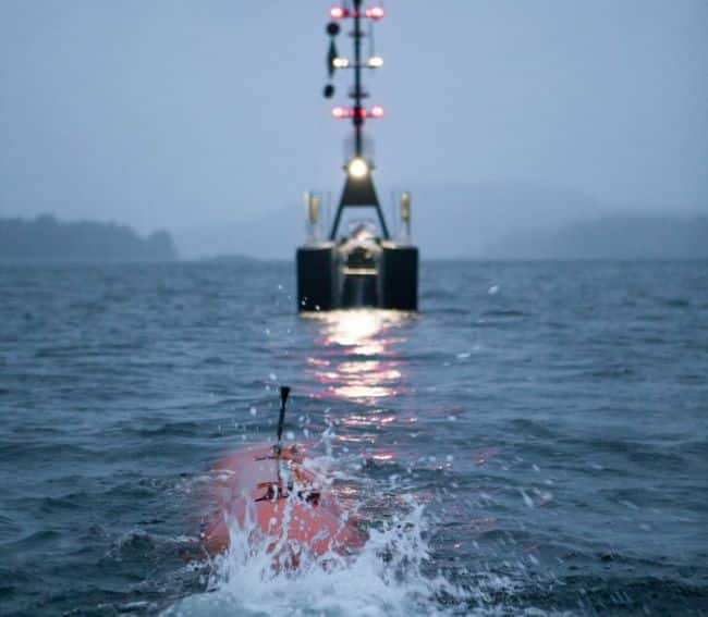 SEA-KIT image for Fugro PR - Line up for HUGIN AUV recovery into SEA-KIT USV_InnerSpaceCenter COMPR