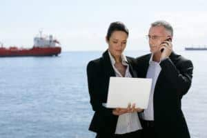 how to become shipbroker