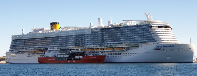 Costa-Smeralda_STS LNG Bunkering_Port of Marseille Fos