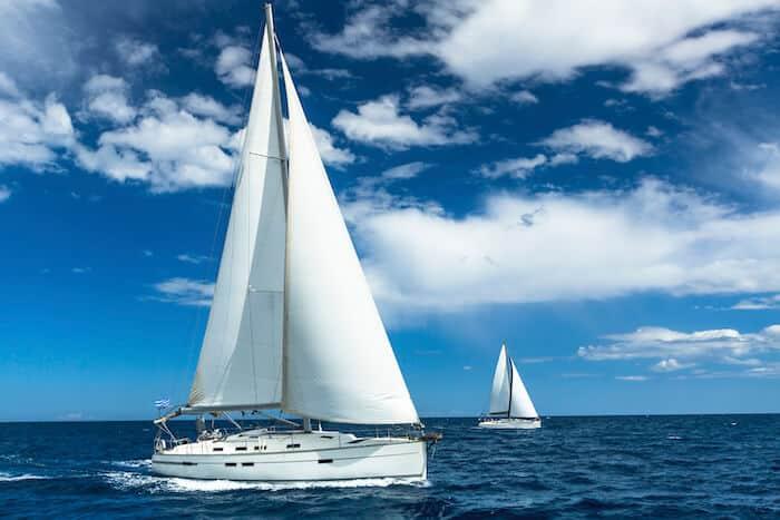 monohull boat