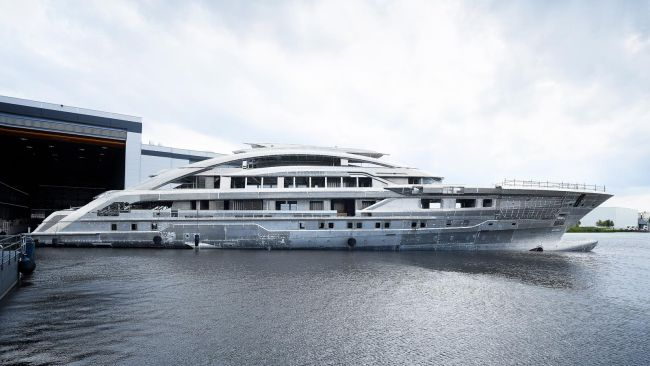 Heesen Yachts and it's brand new 265-foot superyacht, Cosmos