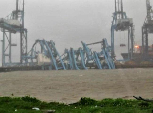 JNPT Cranes Collapsed