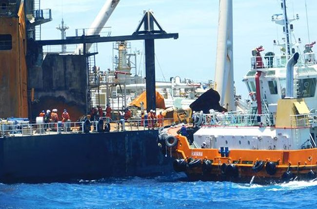 Salvage Operation Of Fire Stricken Oil Tanker 'MT New Diamond' Begins