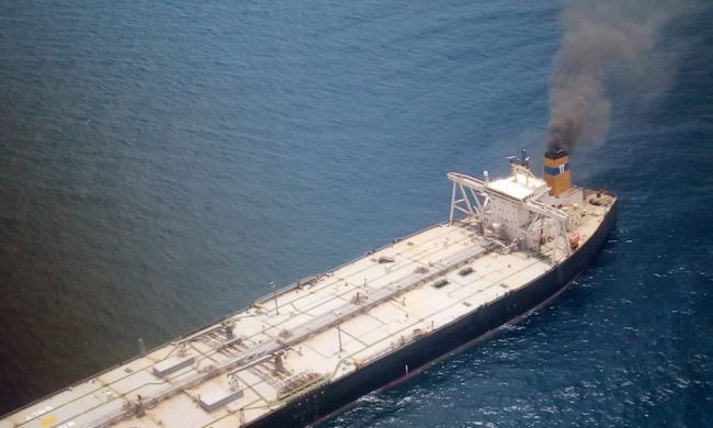 VLCC Carrying 2,70,000 Tonnes of Oil catches fire off Sri Lankan Coast