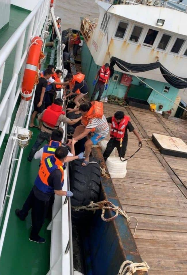 china sinking ship crew rescue