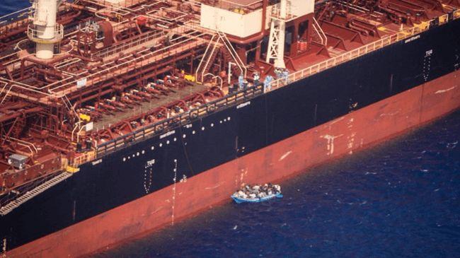 maersk etienne rescued migrants