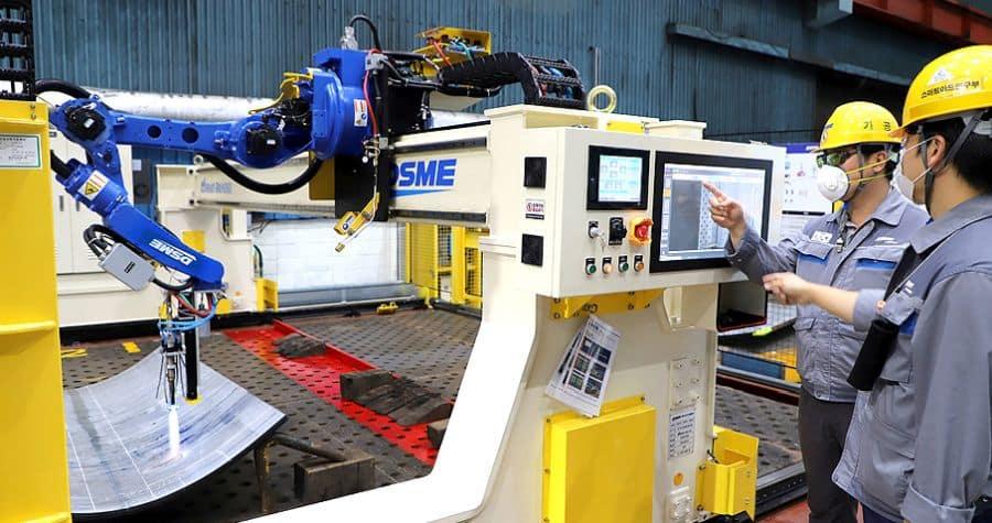 Daewoo Shipbuilding & Marine Engineering develops the world's first 'AI hot processing robot'