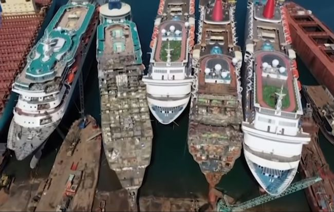 Luxury Cruise Ships Awaiting To Be Scrapped In Turkey Due To COVID-19 Pandemic