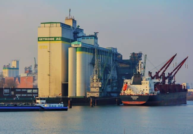 Significantly higher exports of grain and fertilizers were the main causes of this very favorable development in agribulk throughput. - port of hamburg