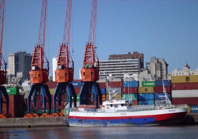The 'Verdemilho' in harbour