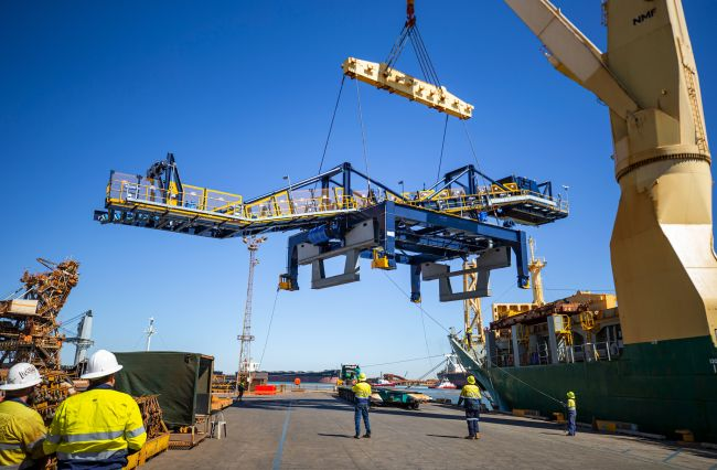 stacker reclaimer components were shipped on behalf of one of the world's leading project logistics providers
