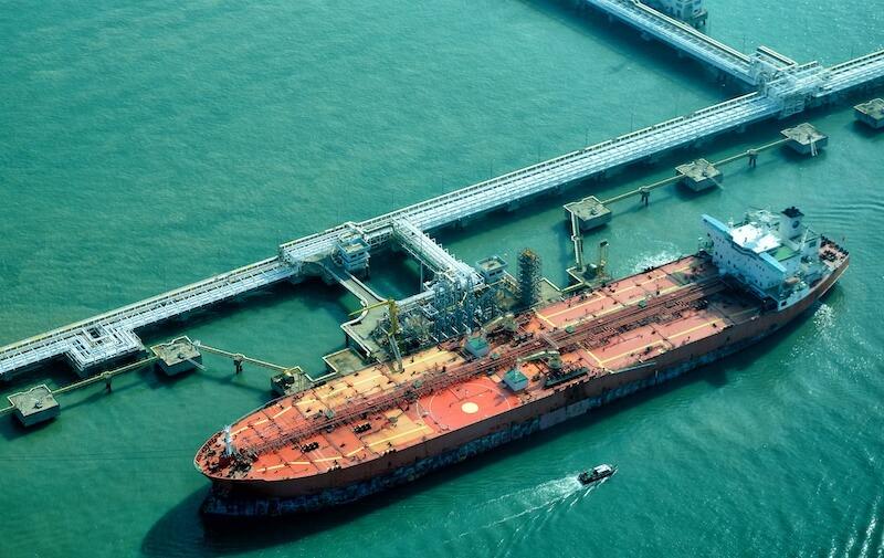 ship at oil terminal