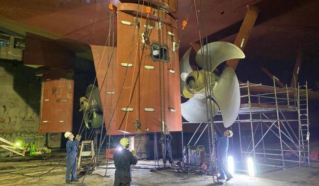 removing starboard rudder