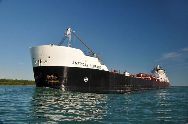 MV American Courage, a 194 metres Great Lakes self-unloading bulk freighter with a cargo carrying capacity of 24,300 gross tonnage