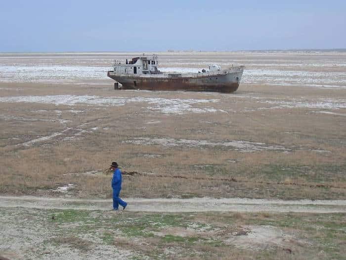 Aral sea ship