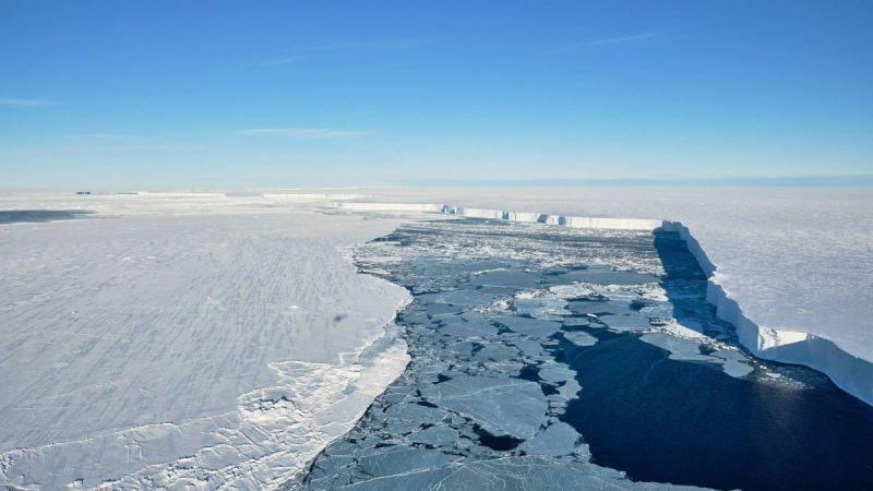 Broken Iceberg - Brunt-Eisschelf TimKalvelage