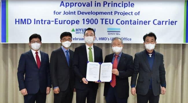 Euro_Con-Green 1900 AiP Ceremony