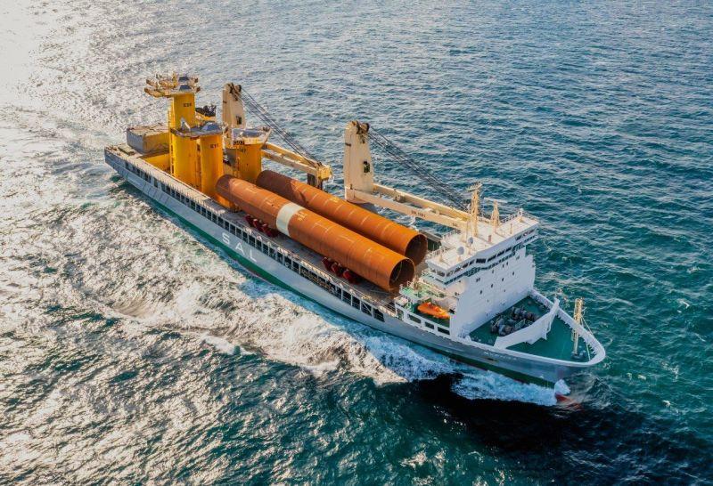 MV Svenja (SAL) transporting monopiles and transition pieces