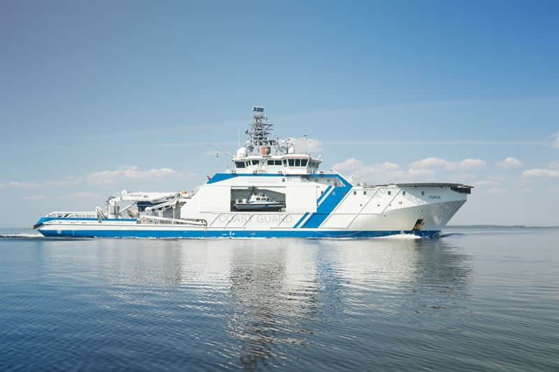 The 'Turva' seen here being fuelled with Bio LNG for the testing programme. © Finnish Border Guard