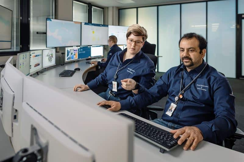 With Expert Insight, specialists at Wärtsilä Expertise Centres can support customers by providing proactive advice and recommendations to maintain the operational efficiency of their vessels.