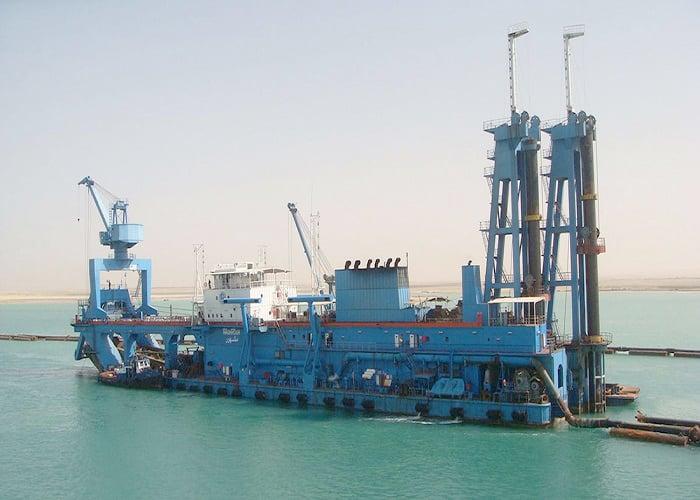 Suez-Canal-Dredger
