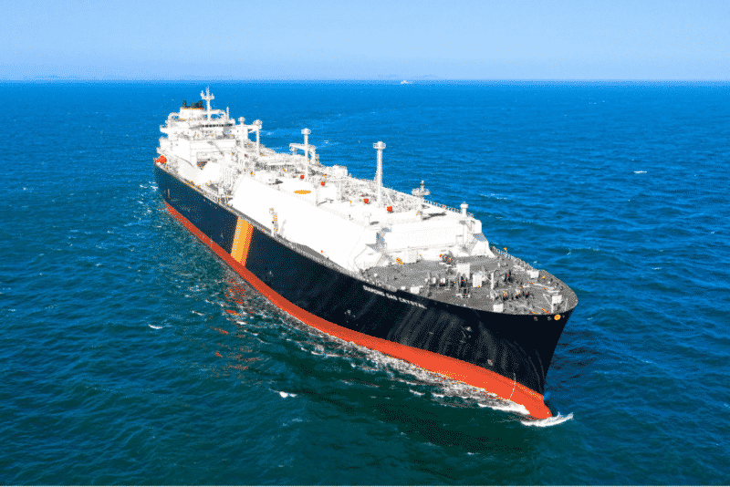 New LNG Carrier Diamond Gas Crystal Delivered for LNG Transportation from LNG Canada project