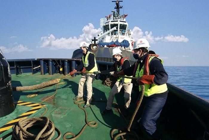 seafarers working onboard
