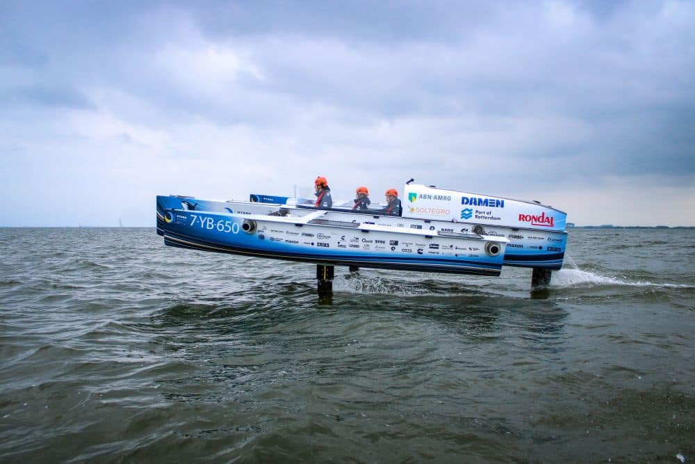World's First Flying Hydrogen Boat