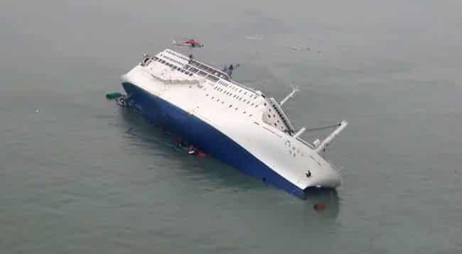 passenger ferry capsizes in bali