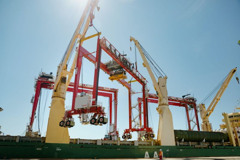 four cranes had a combined weight of almost 700 tonnes and each measured 36 m in height and 28 m in length
