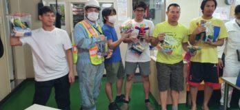 Filipino seafarers given gifts