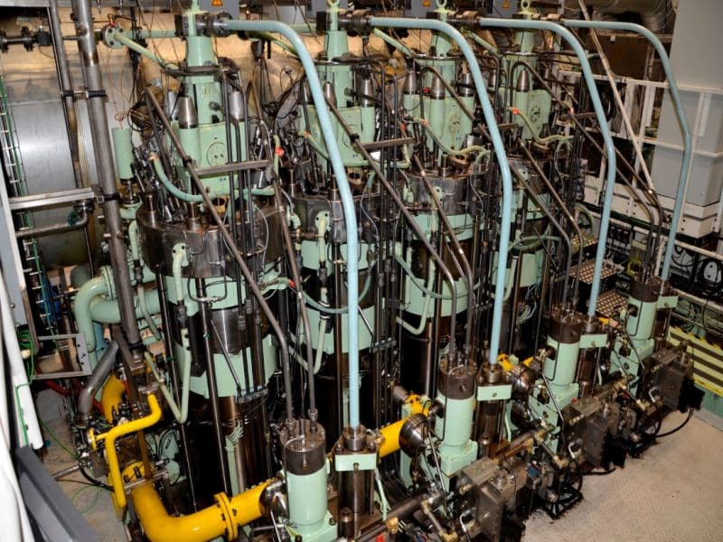 Hyundai Orders World's First ME-GA; 12 Dual-Fuel Engines Chosen For Series Of LNGCs -