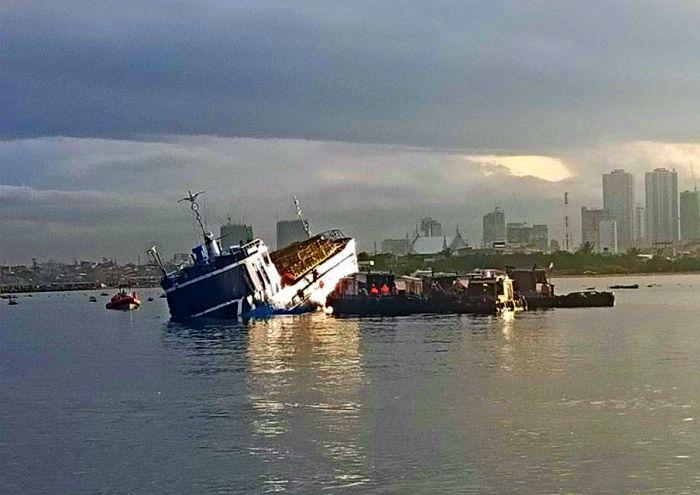 MV Palawan Pearl - sunken port