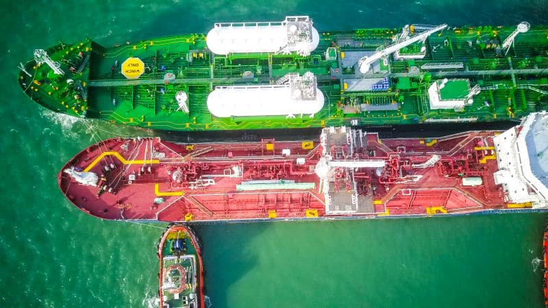 PETRONAS Marine's Avenir Advantage Successfully Conducted the First LNG Bunkering Operation in Port Klang