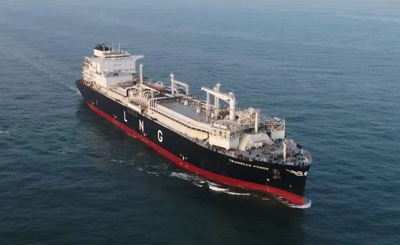 first 174,000 cubic meters LNG-FSRU in China independently developed and built by Hudong Zhonghua was signed and delivered - Transgas power sailing
