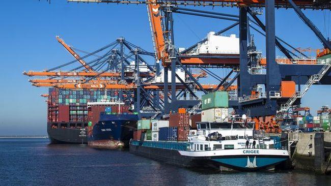 euromax-barge-feeder-deepsea